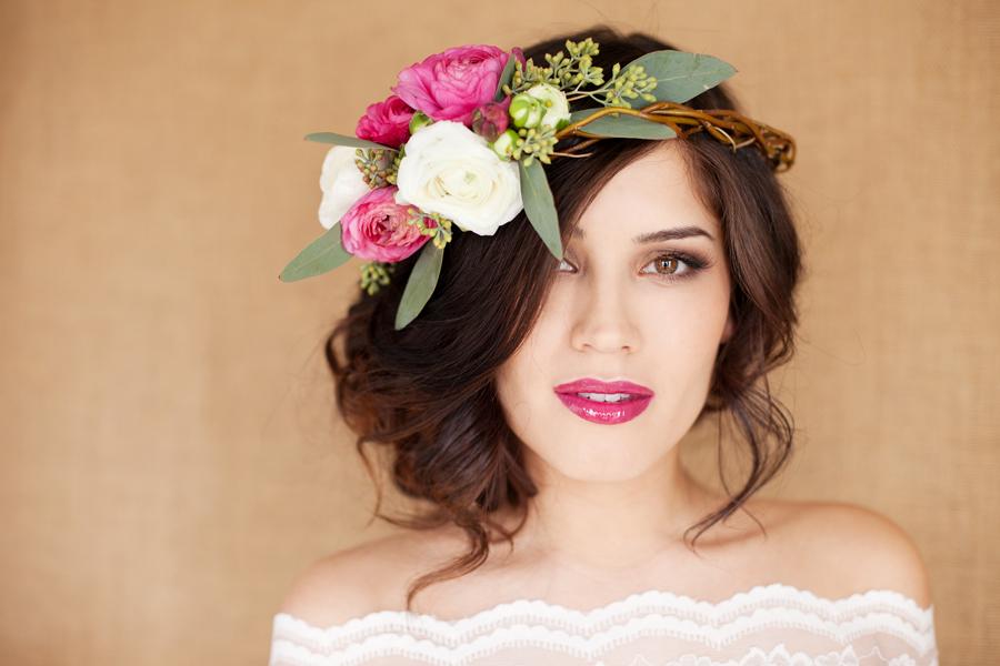 13203bb5d Las flores naturales serán parte esencial el día de tu boda. Darán forma a  un bellísimo ramo de novia